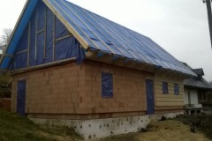 Poloroubenka a krov